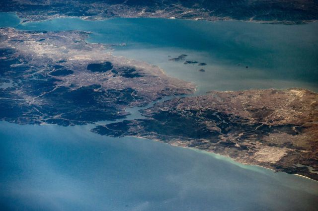 http://2017.f.a0z.ru/cache/12/640x480/25-5747821-good-morning-from-space-station.-istanbul-turkey.jpg
