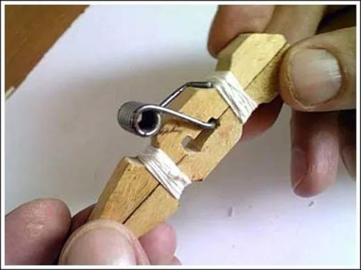 Как из прищепки сделать рогатку