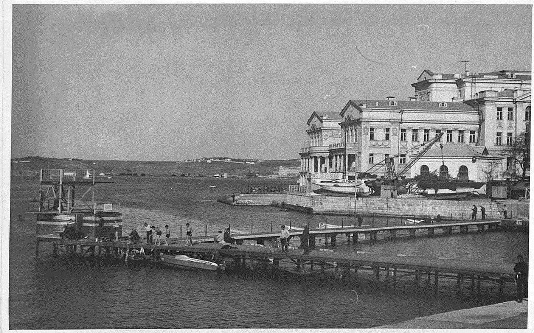 Картинки по запросу водная станция нептун севастополь